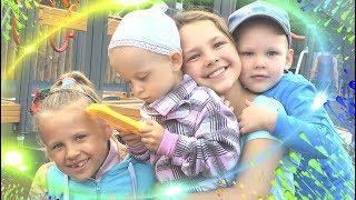 Ксюша Потоцкая и Настя Митягина. Детская площадка. Видео для детей. Игровая зона. Дети в Парке.