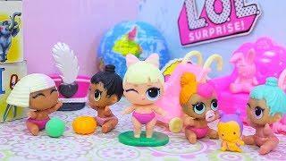 Куклы ЛОЛ Сюрприз Взяли девочку из детского дома | Мультики с игрушками LOL Surprise