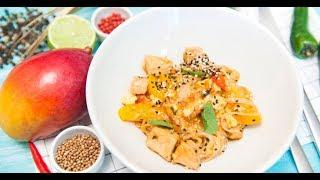 Свинина в кисло-сладком соусе с персиками и рисовой лапшой | Дежурный по кухне