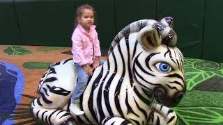 Видео для детей Kids at the zoo   детские игровые площадки Playground for kids Children's