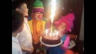 Принцесса троллей Розочка и клоун Афоня на детском празднике