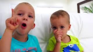 Плохой Ребенок И Открытая Площадка Семейное Видео Для Детей / Песен Детские Песни