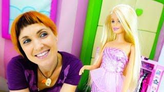 Видео для детей - #веселаяшкола Капуки NEW. Игры ОДЕВАЛКИ для девочек с БАРБИ подбираем обувь