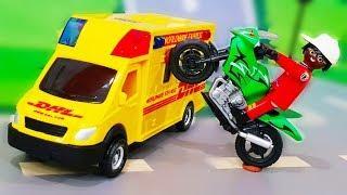 Мультики про машинки. Герой Петрович спасет посылку с игрушками. Видео для детей